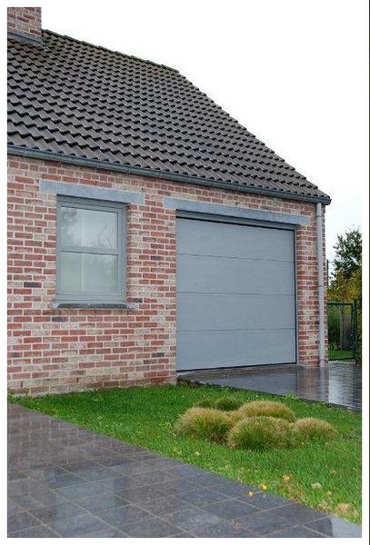 Baltus volet jurbise nous installons vos portes de garages porte de garage sectionnelle jurbise ral 7040g solutioingenieria Choice Image